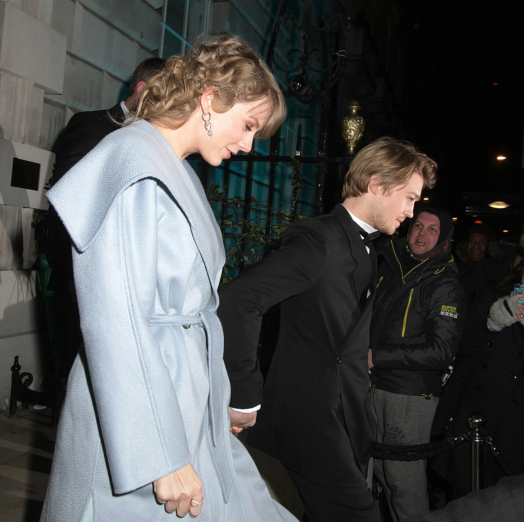 "Taylor Swift and Joe Alwyn: A Timeline of Their 'Gorgeous' Relationship - A video of the couple at Vanity Fair's 2019 Oscars afterparty showed them packing on the PDA, with Alwyn resting his hand on his girlfriend's shoulder and Swift rubbing his back. ""Taylor stayed for a long time. She mingled throughout the party and seemed very happy the whole night,"" an eyewitness told Us exclusively."