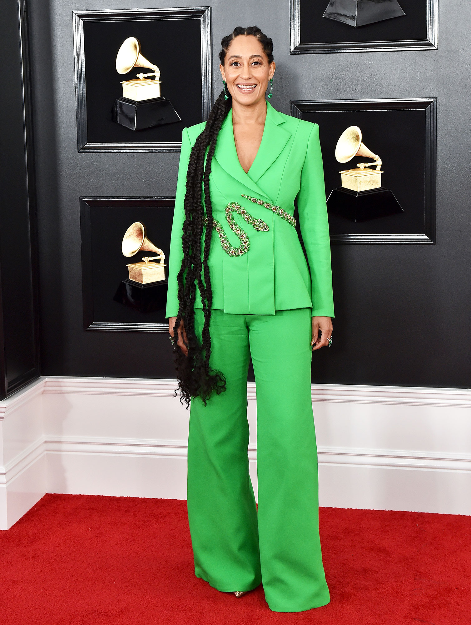 grammys 2019 Tracee Ellis Ross - Hair down to there! The Black-ish star relied on the show's Department Head of Hair Araxi Lindsay to style her locks and wow, did they turn heads!