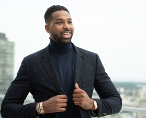 Tristan Thompson Enjoys Dinner With a Mystery Woman Amid Jordyn Woods Cheating Scandal