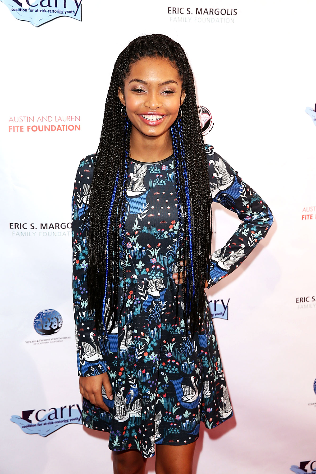 Yara Shahidi - The only thing better than the waist-grazing braids the Grown-ish star rocked back in 2015? The pops of blue she wove into them.
