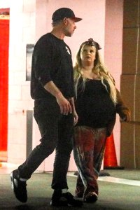Jessica Simpson Shows Off Her Baby Bump in Weeks Before Delivery Eric Johnson
