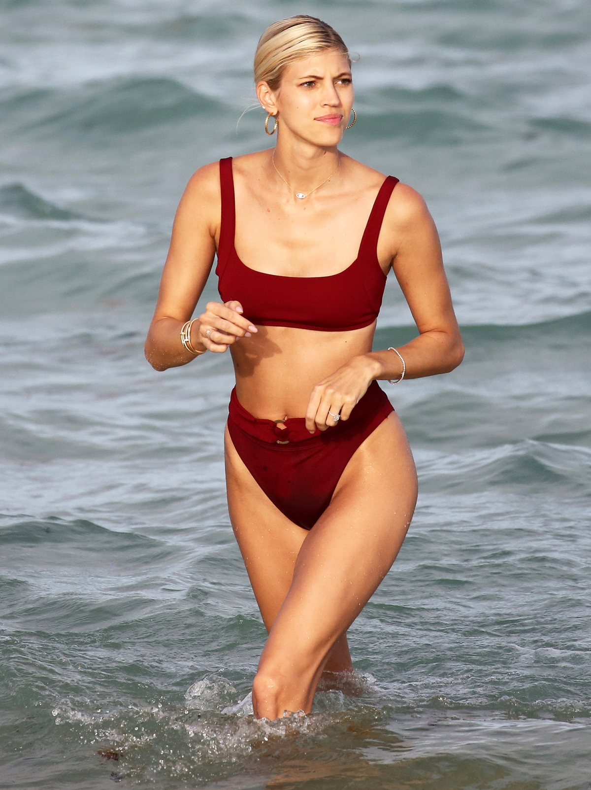 Ally Walker Hot Pics how to get a bikini body: models' fitness, diet, confidence tips