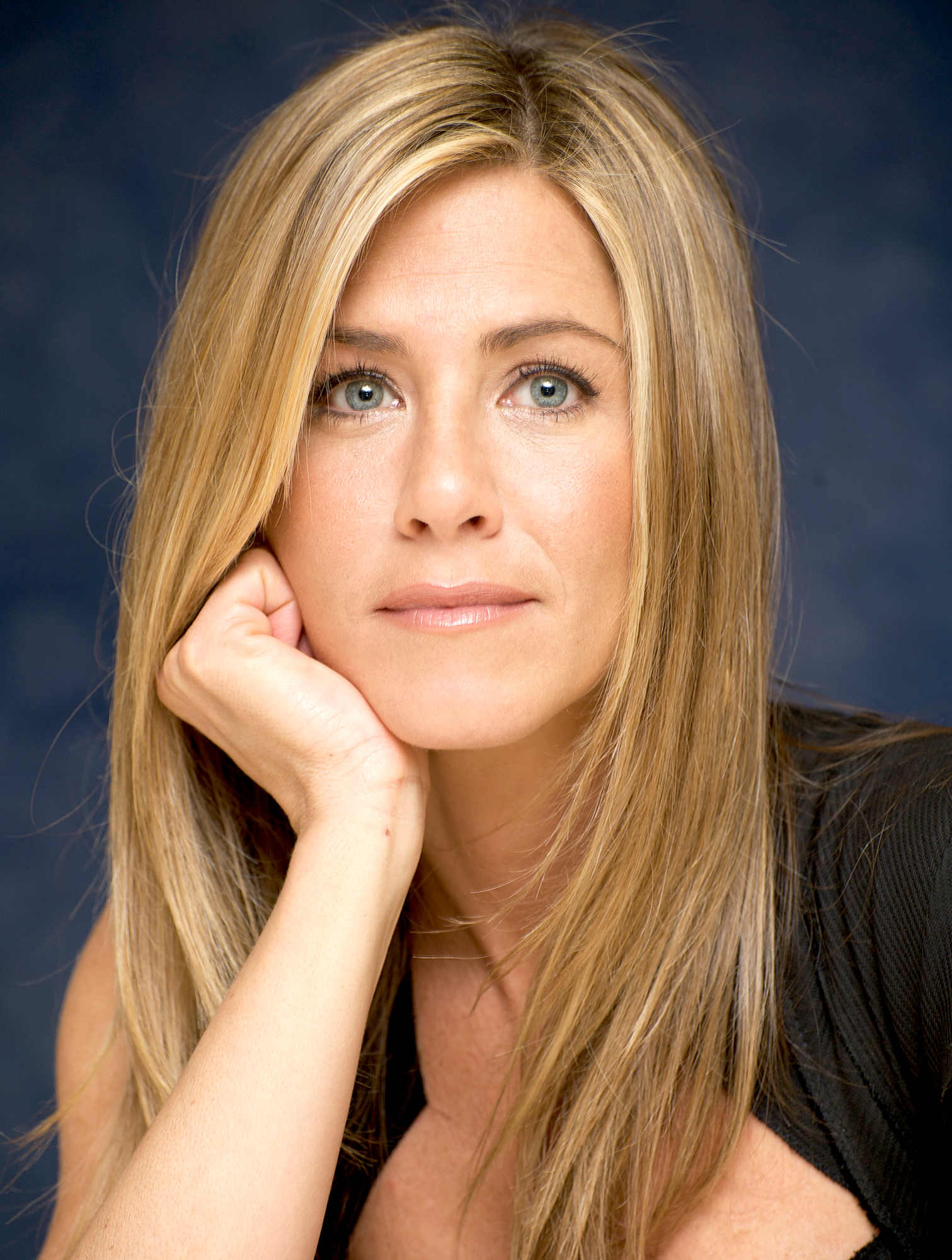 """jennifer-aniston-brad-pitt-divorce-relationship - The Dumplin ' actress got candid while speaking about Pitt and his relationship with Angelina Jolie during an interview with Vogue in December 2008. """"There was stuff printed there that was definitely from a time when I was unaware that it was happening,"""" she said of stories told about their split. """"I felt those details were a little inappropriate to discuss. That stuff about how she couldn't wait to get to work every day? That was really uncool."""""""