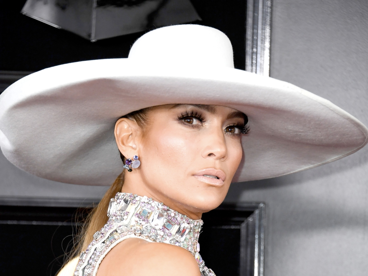 See the Over-the-Top Hair and Makeup at the Grammys!