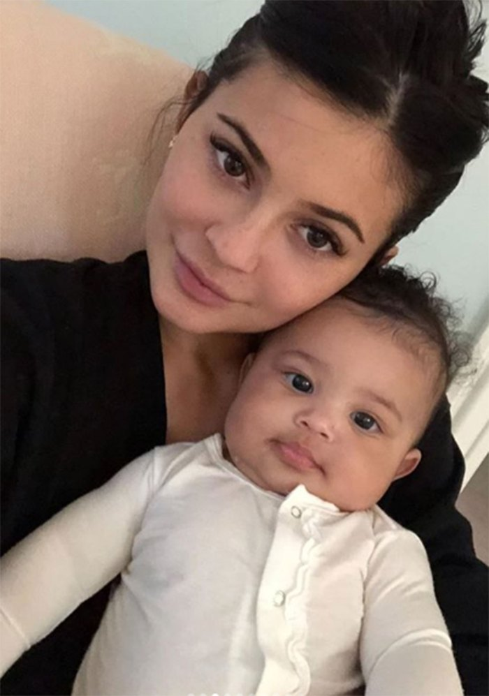Kylie Jenner ŒIs Absolutely Obsessed With Being a Mom¹ to Stormi