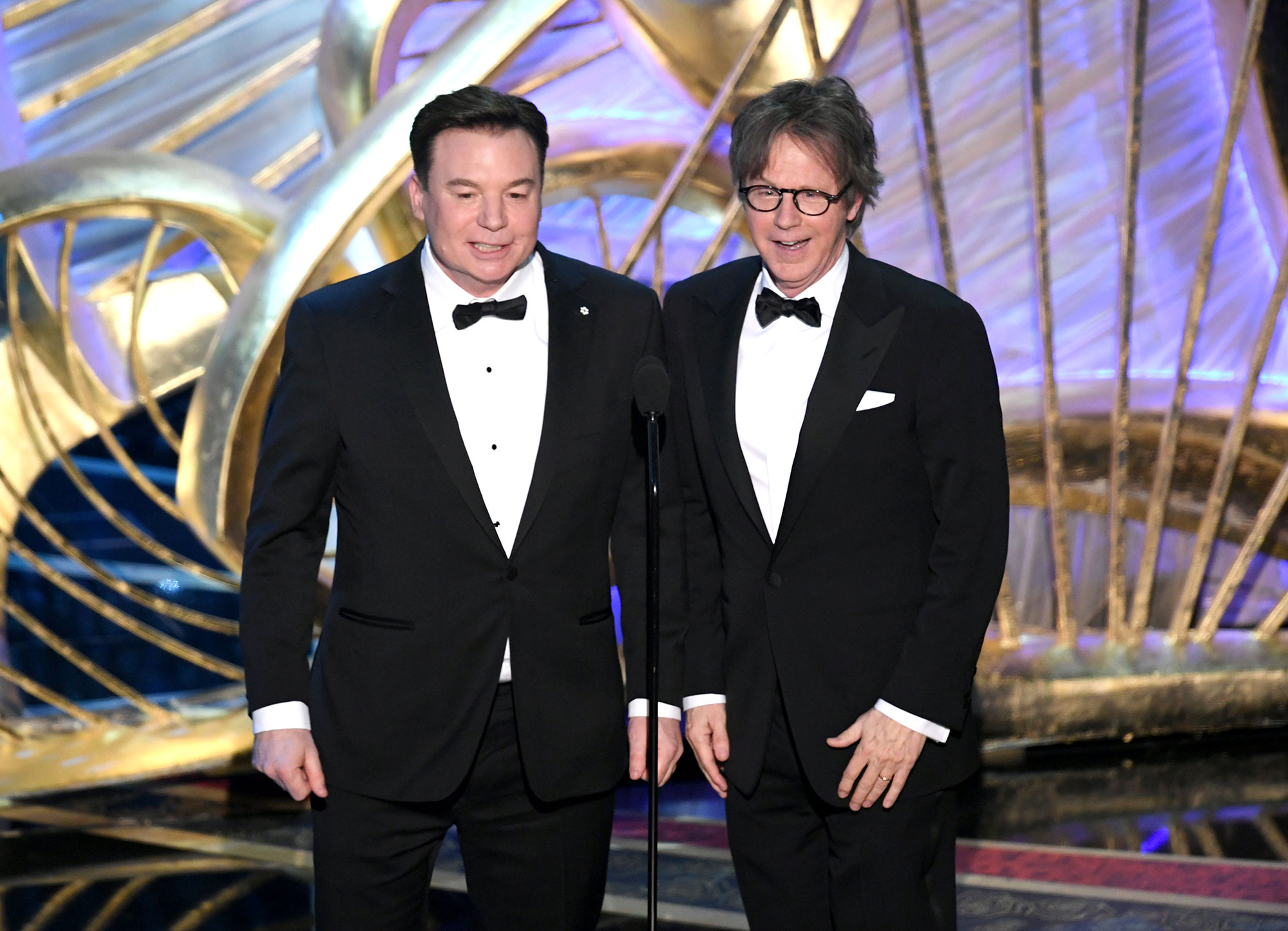 """oscars 2019 Mike Myers and Dana Carvey Costars reunited gallery - Mike Myers and Dana Carvey reunited at the 2019 Oscars in February 2019 to introduce a clip for Best Picture nominee Bohemian Rhapsody . The 1992 movie opened with Myers' Wayne and Carvey's Garth head-banging to the Queen song """"Bohemian Rhapsody."""""""