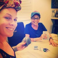 Pink Gives the Makeup-Free Selfie a Twist By Bringing in Her Mom