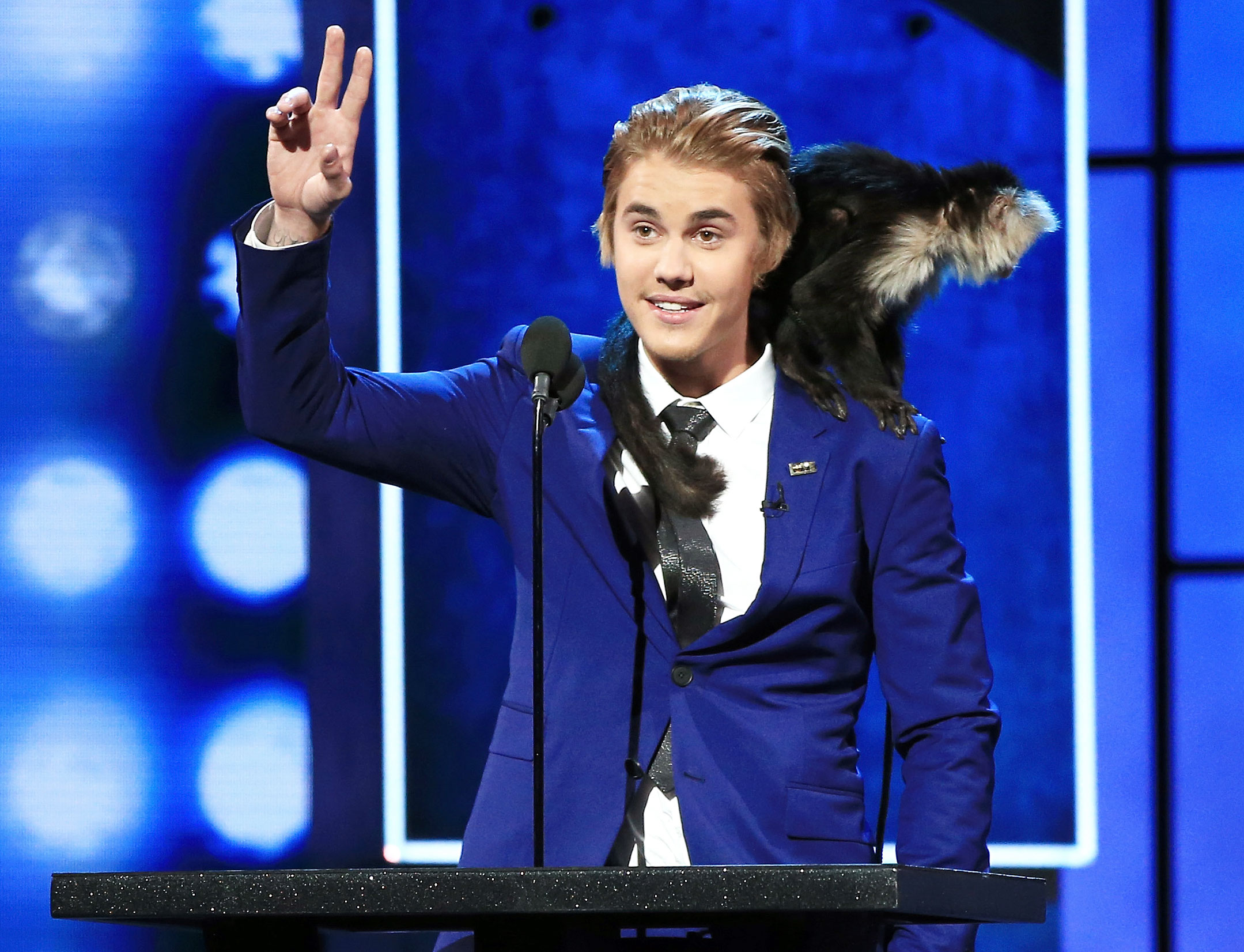 """Justin Bieber Through The Years Comedy Central Roast - Comedy Central hosted its Roast of Justin Bieber at his request with roasters including Pete Davidson , Chris D'Elia , Will Ferrell , Shaquille O'Neal , Snoop Dogg and Martha Stewart . At the end of the night, Bieber roasted himself, joking, """"What do you get when you give a teenager $200 million? A bunch of has-beens calling you a lesbian for two hours."""""""