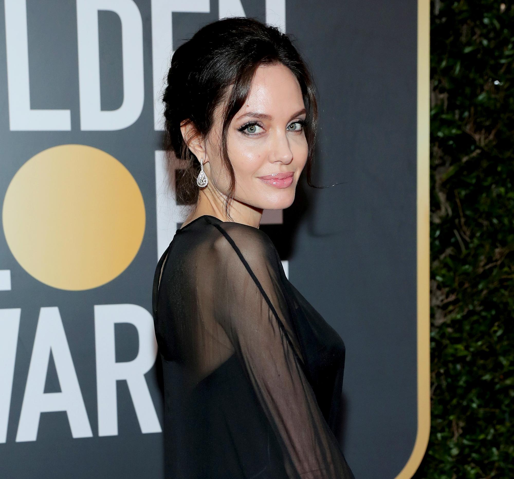 Angelina Jolie Stuns In New Maleficent Mistress Of Evil