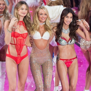Candice Swanepoel Has a Mommy Group Chat With Other Victoria's Secret Angels