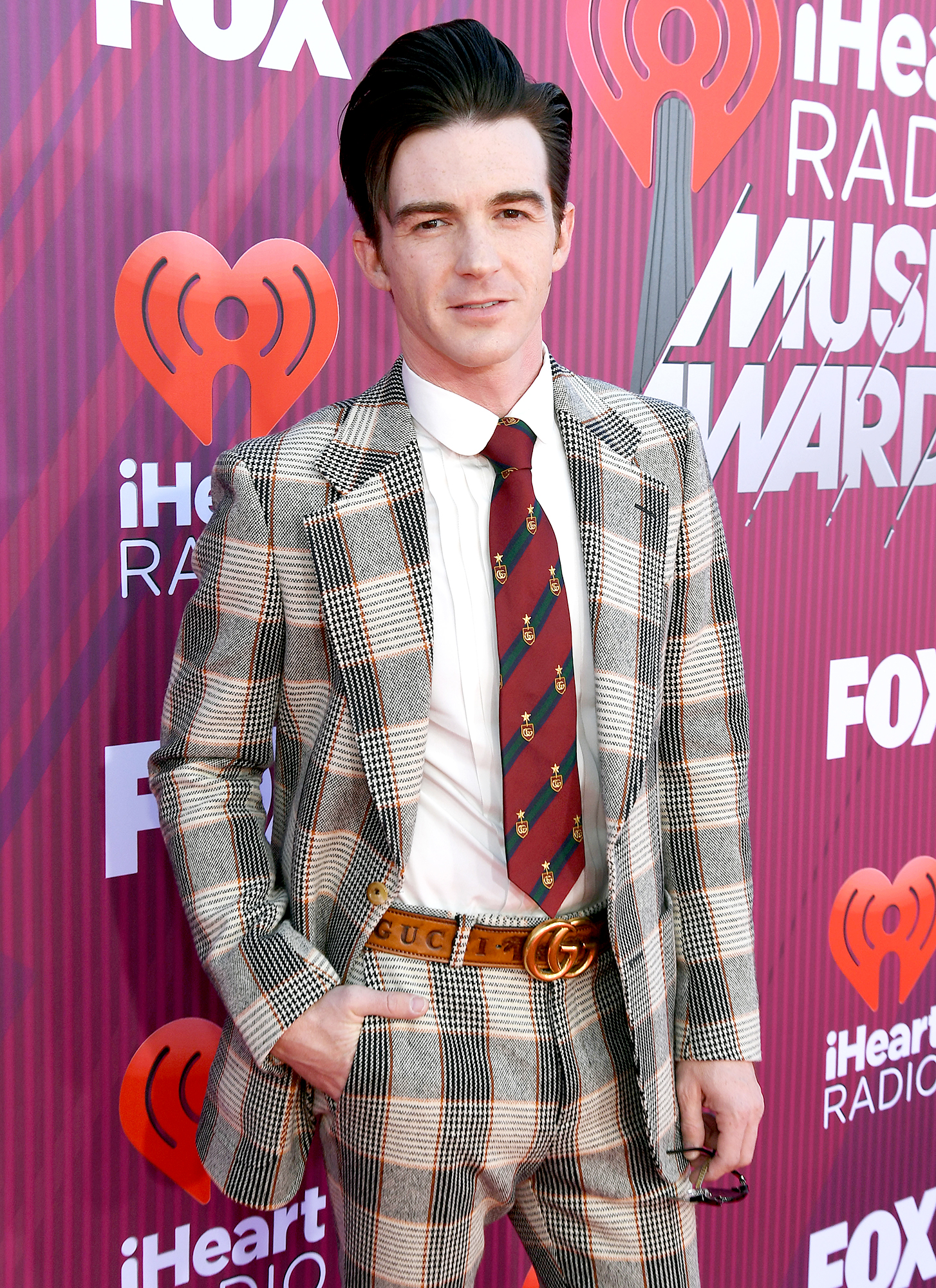 Drake-Bell-Hasn't-Met-'Drake-&-Josh'-Costar-Josh-Peck's-Son-Yet - Drake Bell attends the 2019 iHeartRadio Music Awards which broadcasted live on FOX at Microsoft Theater on March 14, 2019 in Los Angeles, California.