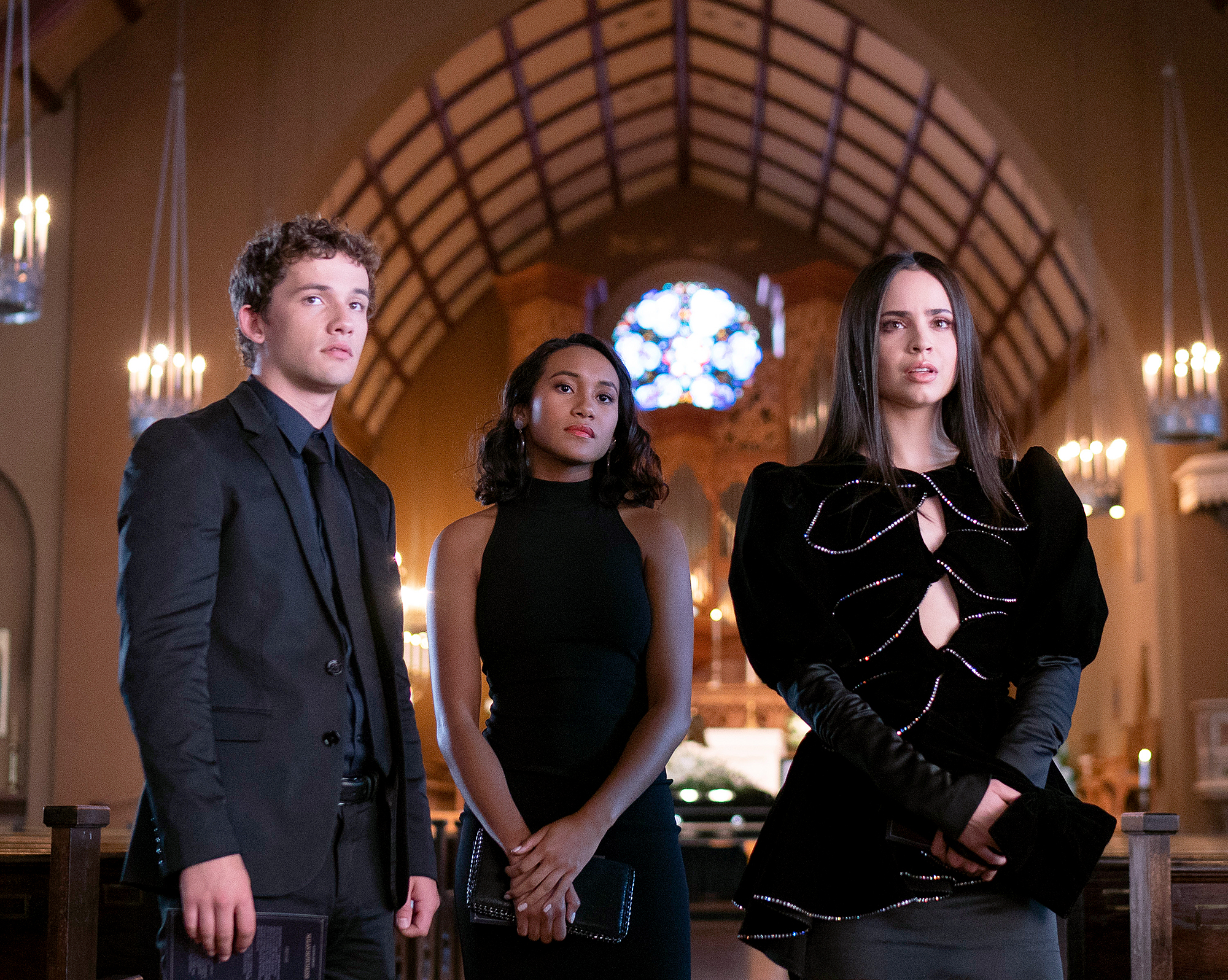 ELI-BROWN,-SYDNEY-PARK,-SOFIA-CARSON-Pretty-Little-Liars--The-Perfectionists