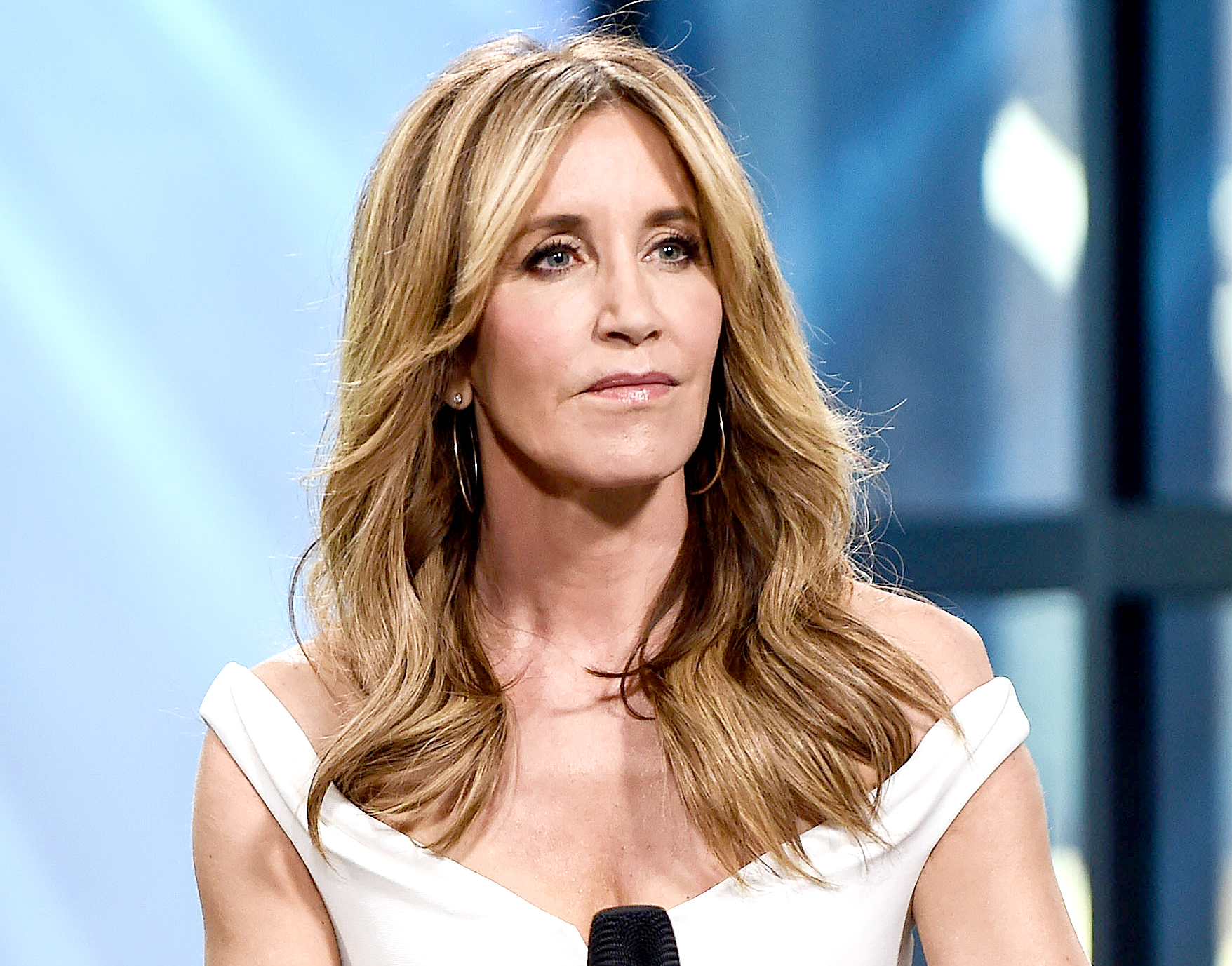 Felicity-Huffman-Arrested-at-Gunpoint-by-Several-FBI-Agents-Following-Scam