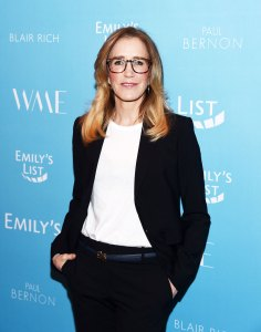 Felicity Huffman 'Aunt Becky' Trends on Twitter Amid Lori Loughlin's College Admissions Scandal: All the Memes