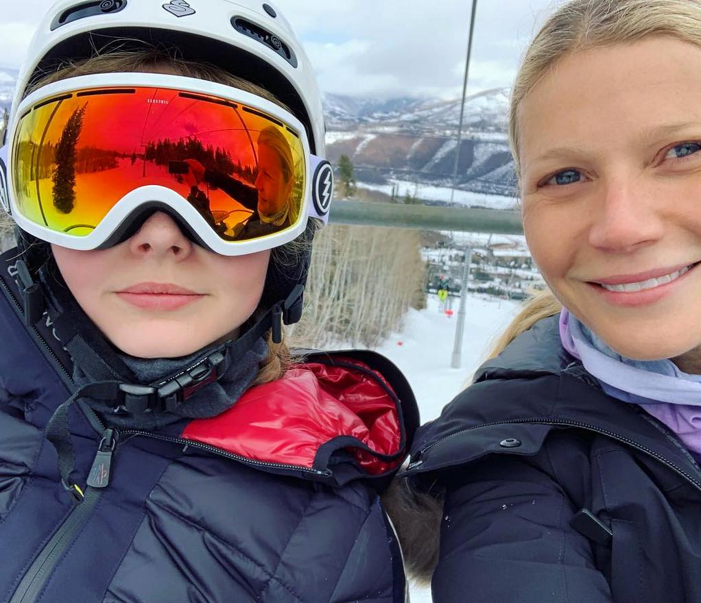 Gwyneth-Paltrow-daughter-apple-skiing