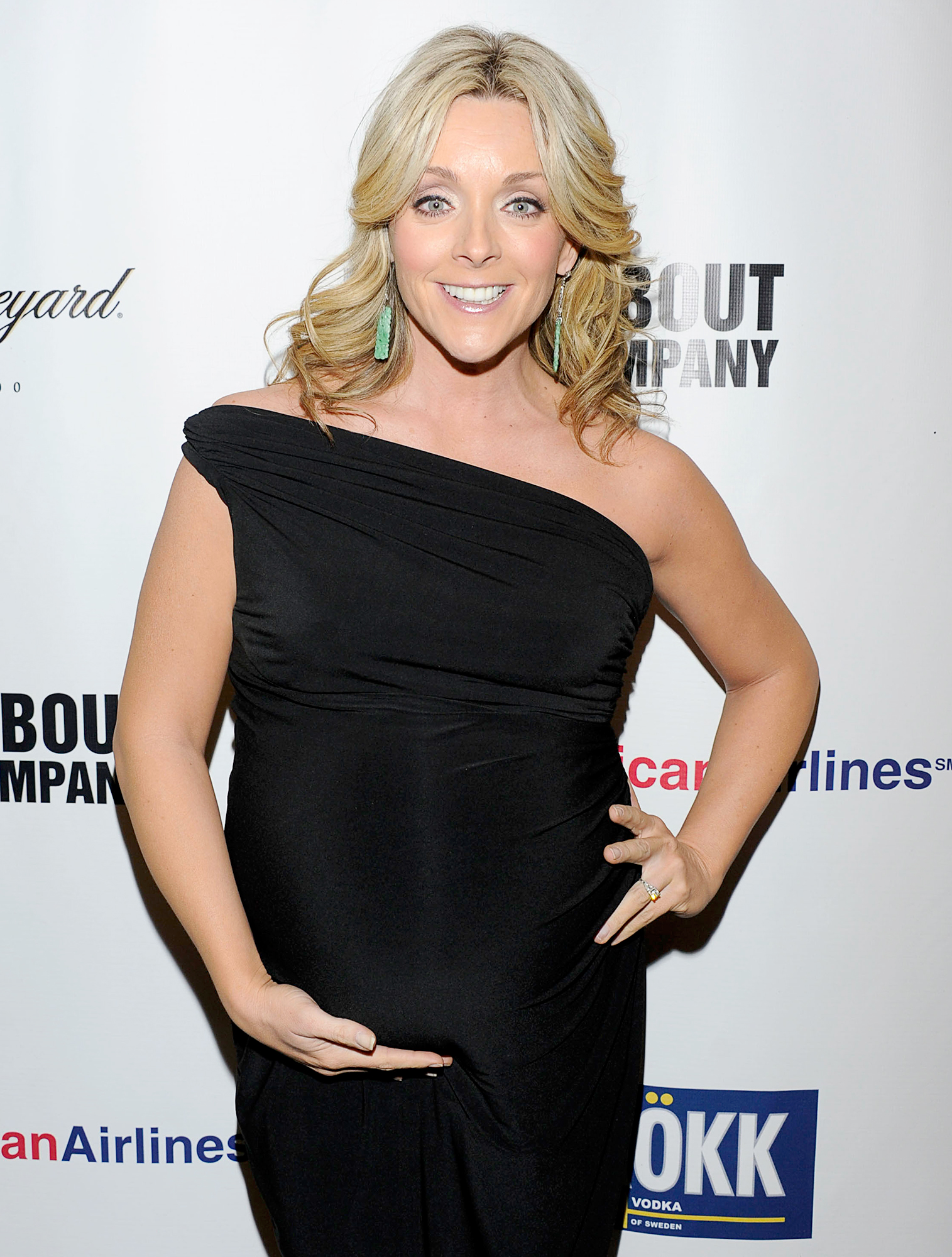 "Jane-Krakowski-pregnant - Although the 30 Rock alum welcomed her son, Bennett, in 2011 at 42, her pregnancy was not written into the show. ""No one thinks [my character] Jenna would be a fit mother,"" the actress said at the Golden Globes that year."