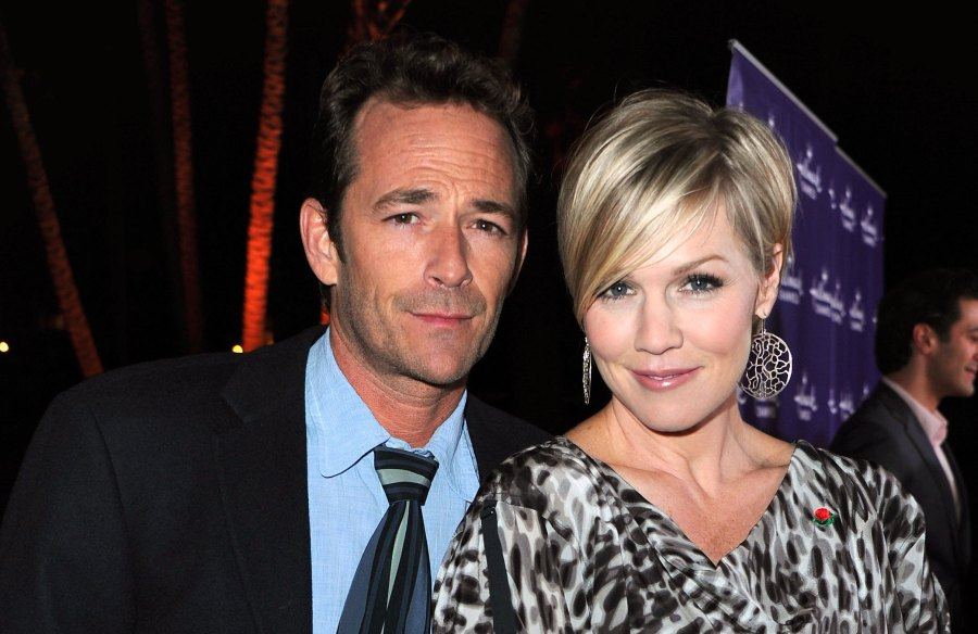Jennie Garth Blasts Fan Who Dissed Her for Not Sharing Luke Perry Tribute