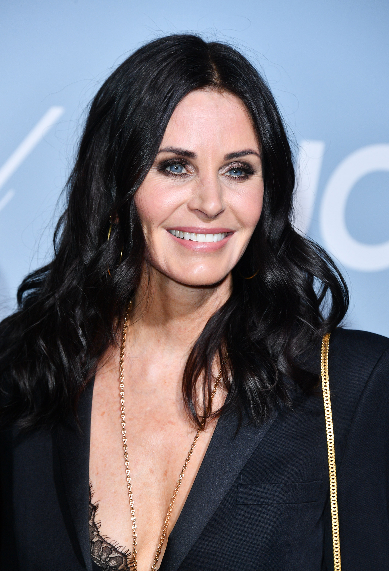 Jennifer Aniston Encouraged Courteney Cox to Post Adorable 'Friends' Apartment Video - Courteney Cox