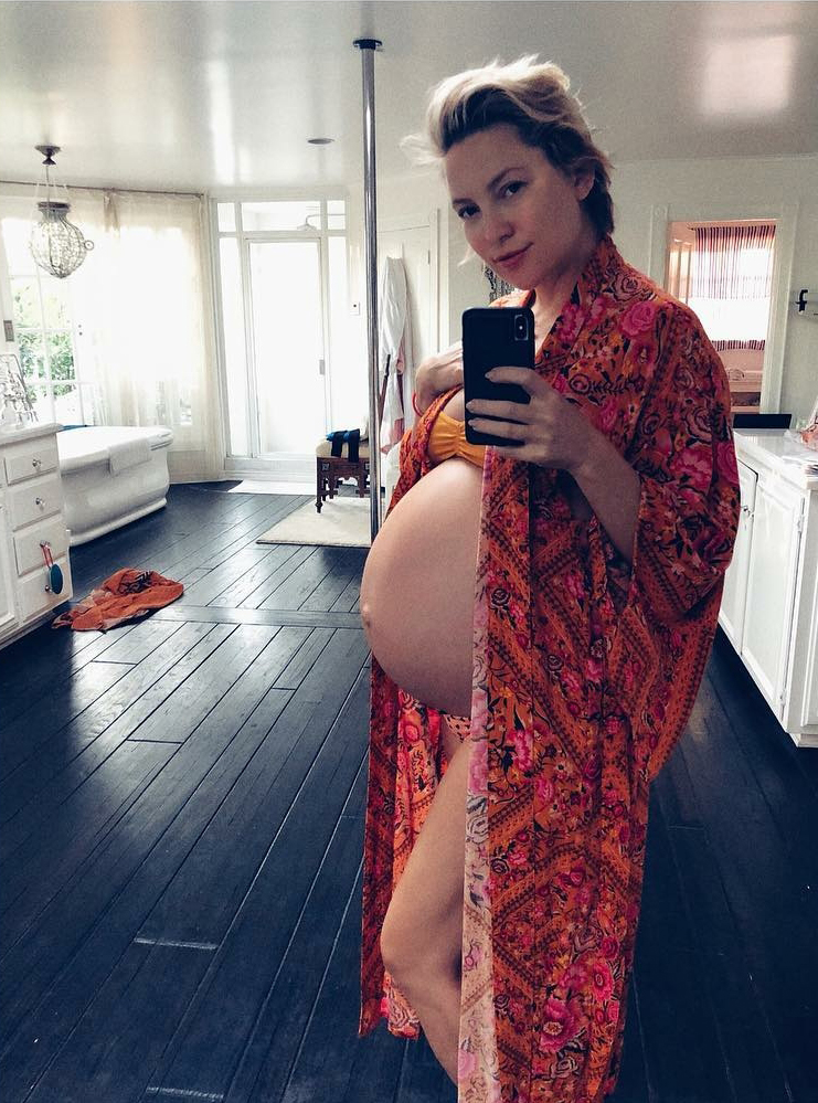 Jessica Simpson and More Pregnant Celebs Showing Off Third Trimester Baby Bumps in Bikinis - Hudson posed for a pic less than a month before giving birth to her third child.