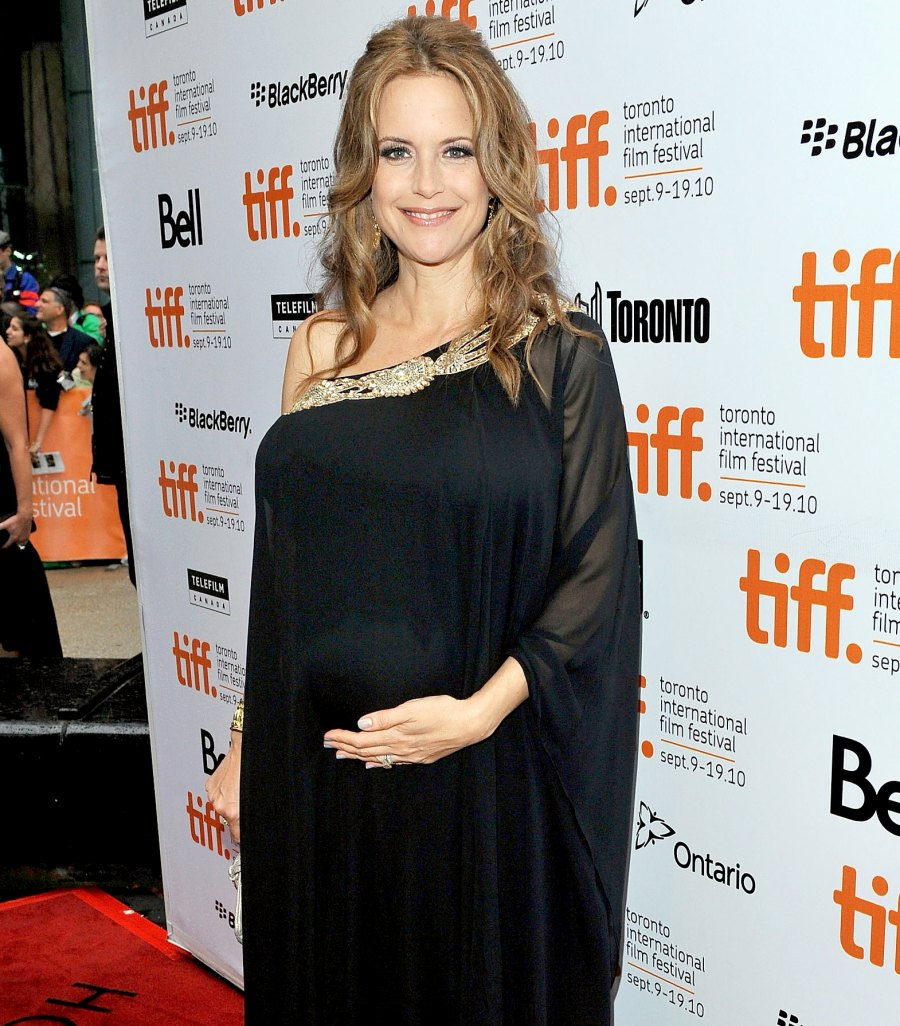 Kelly-Preston-pregnant