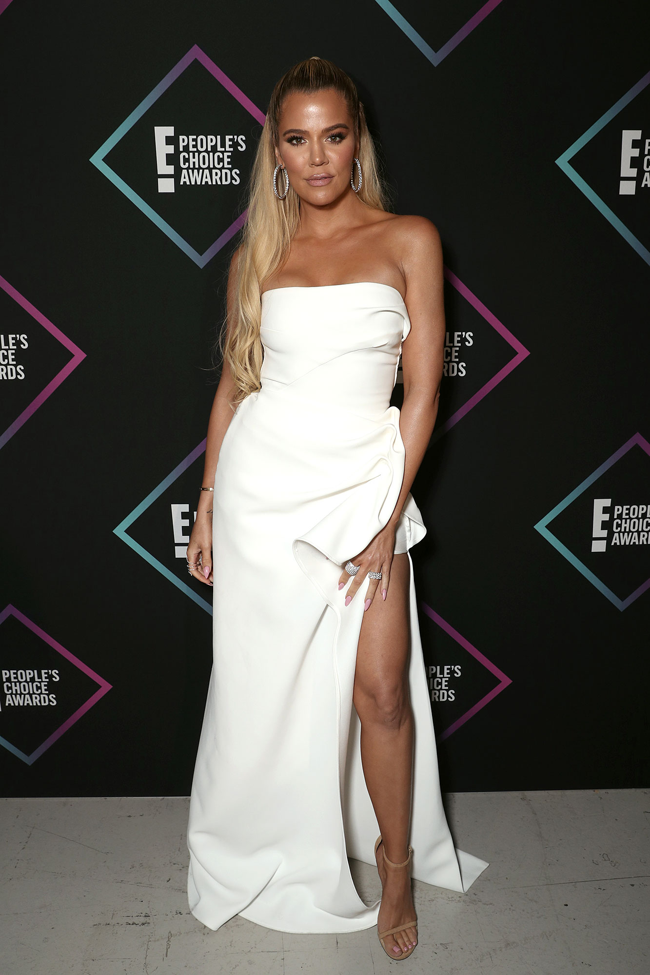 Khloe: 'Sometimes the Person You Want Most Is the Person You're Best Without' - Khloe Kardashian backstage during the 2018 E! People's Choice Awards held at the Barker Hangar on November 11, 2018.