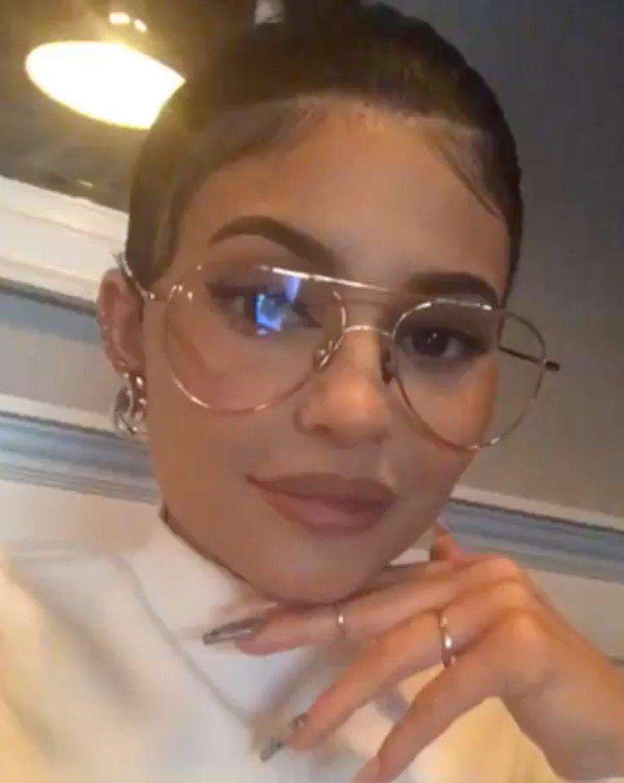Kylie-Jenner-Makes-Oversized-Thin-Frame-Glasses