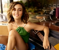 Leighton Meester Shows Toned Body, Reveals Her No-Fail Diet Method