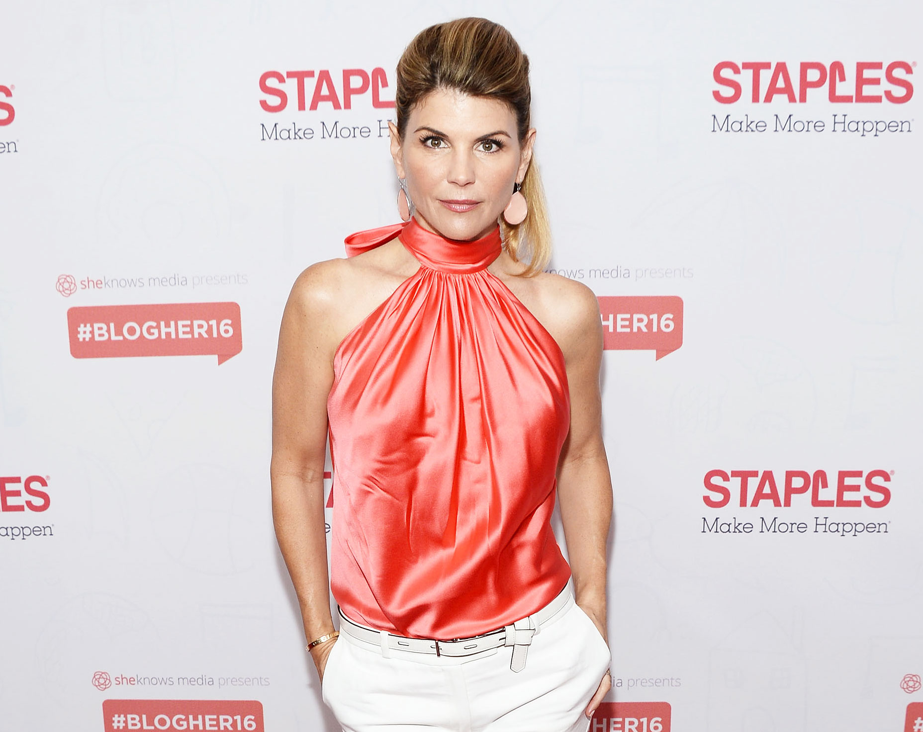 Lori Loughlin One Million Dollar Bond College Admissions Scam Case