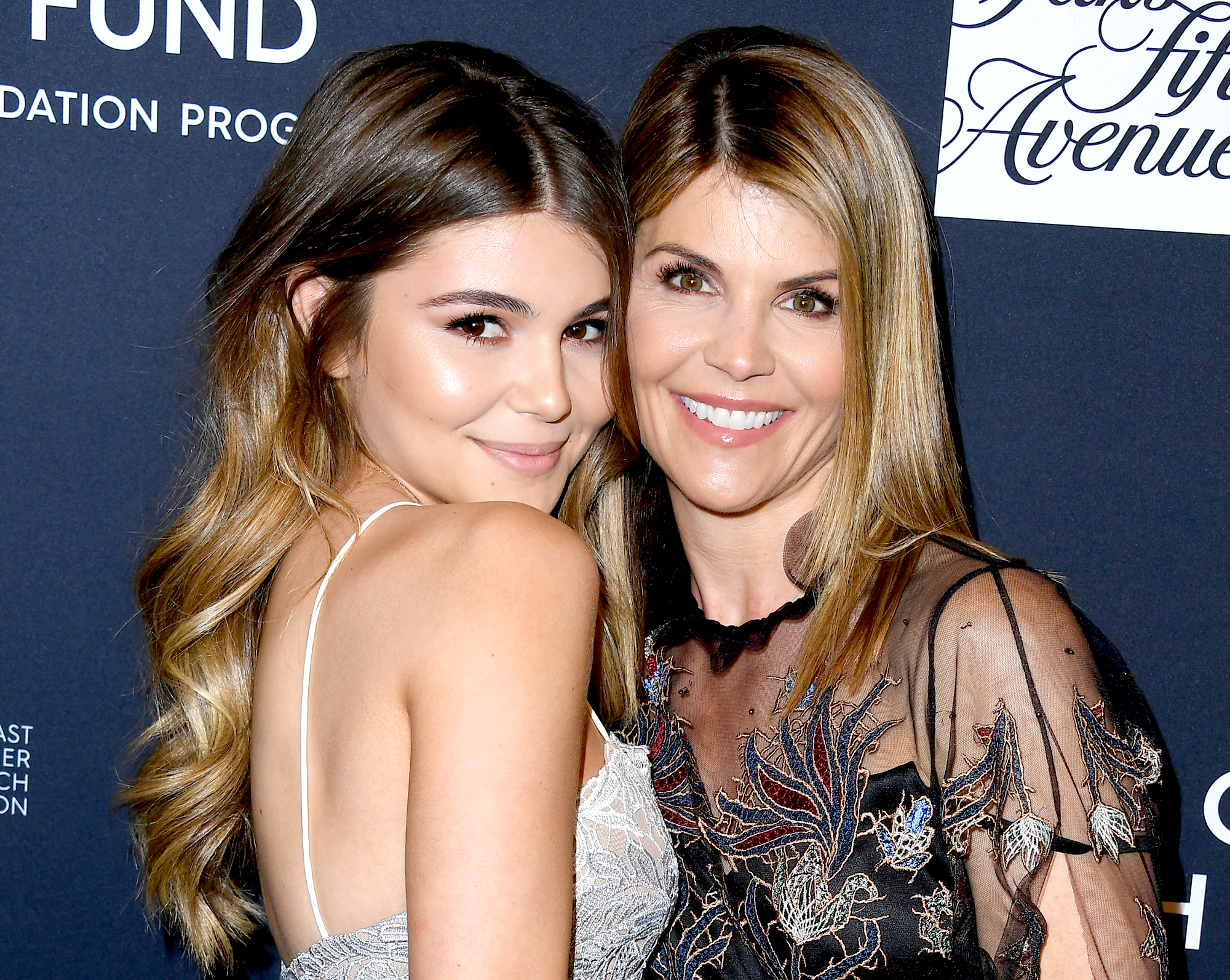 Lori-Loughlin's-Daughter-Olivia-Jade-Found-It-'Fun'-and-'Exciting'-When-She-Was-Mobbed-by-Fans-at-USC-2