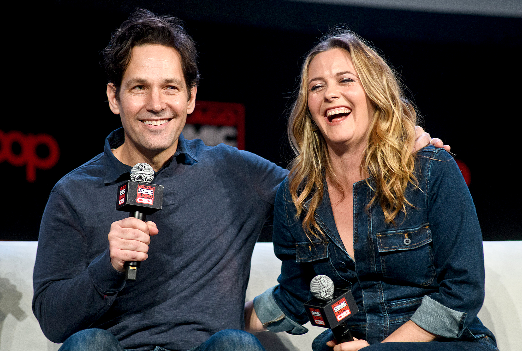 Paul-Rudd-youthful-skin - Paul Rudd and Alicia Silverstone attend C2E2 Chicago Comic and Entertainment Expo on March 23, 2019 in Chicago, Illinois.