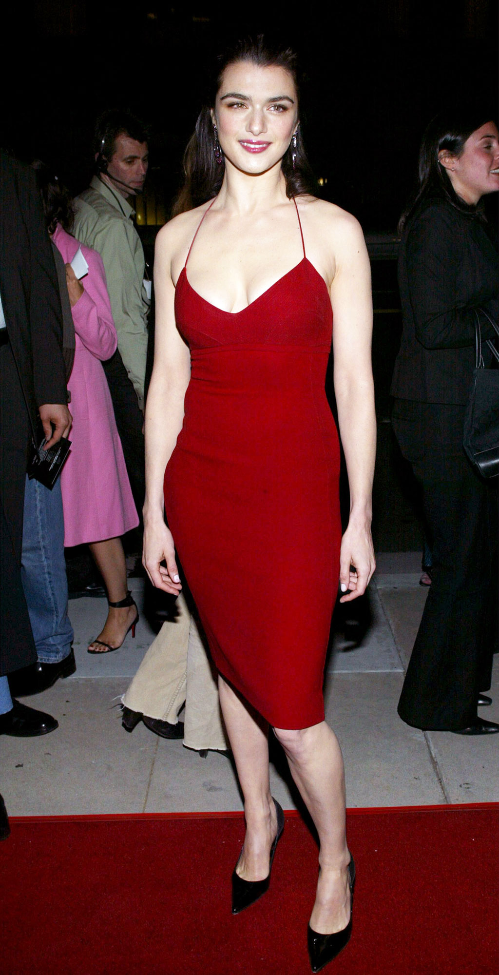 Happy Birthday, Rachel Weisz! See Her Hottest Red Carpet Looks - When attending the 2003 Confidence premiere in L.A. on April 14, 2003, the actress wore a slick form-fitting vermillion dress with thin straps that tied around her neck for an open-back look.