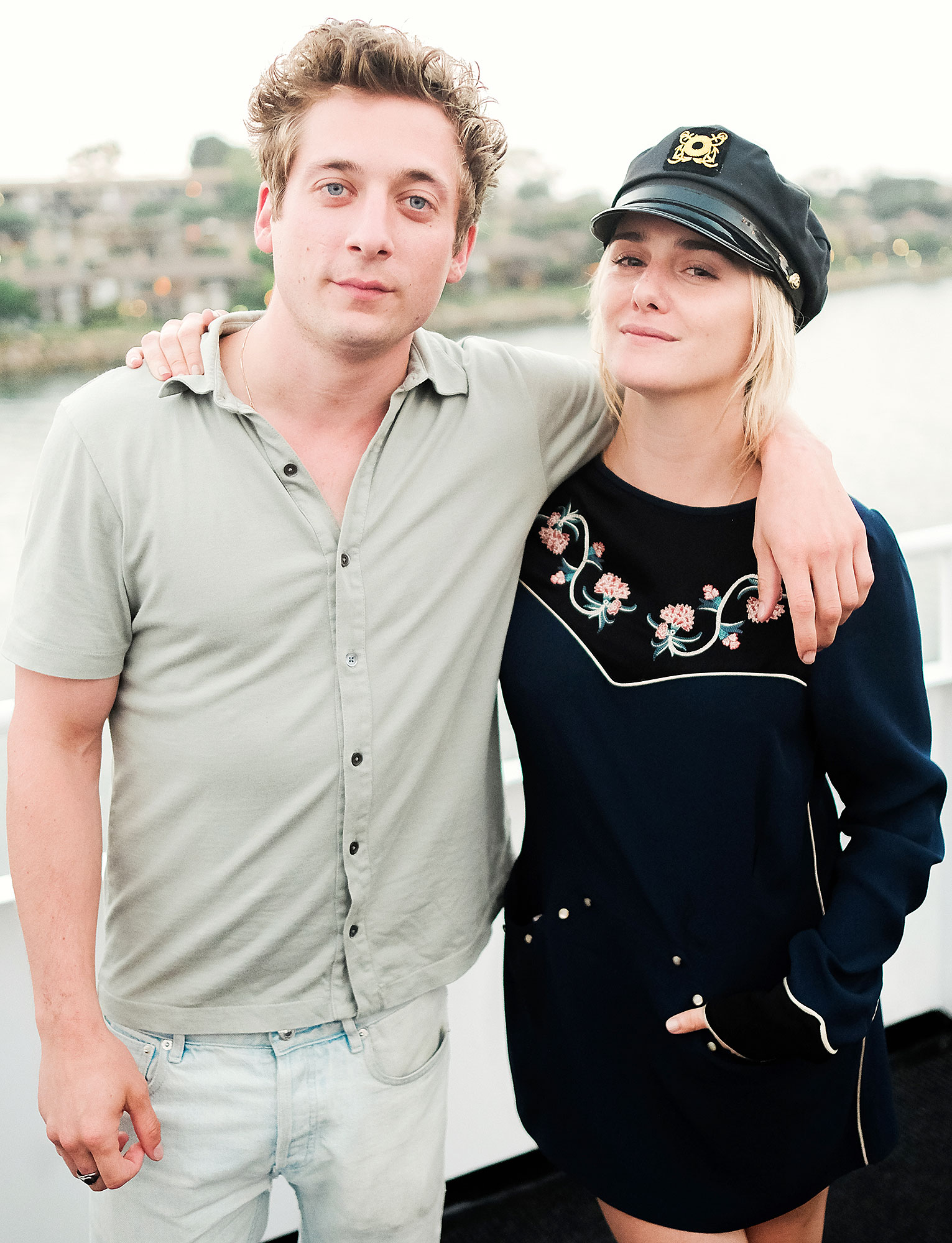 Shameless Jeremy Allen White Learns Parenting Skills From Wife
