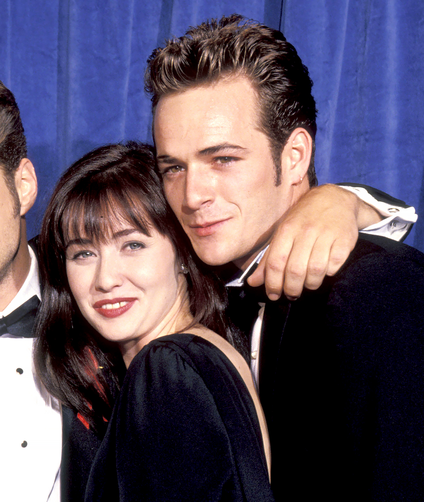 Shannen-Doherty-and-Luke-Perry-90210-reunion - Shannen Doherty and Luke Perry at the Pasadena Civic Center in Pasadena, California in 1991.