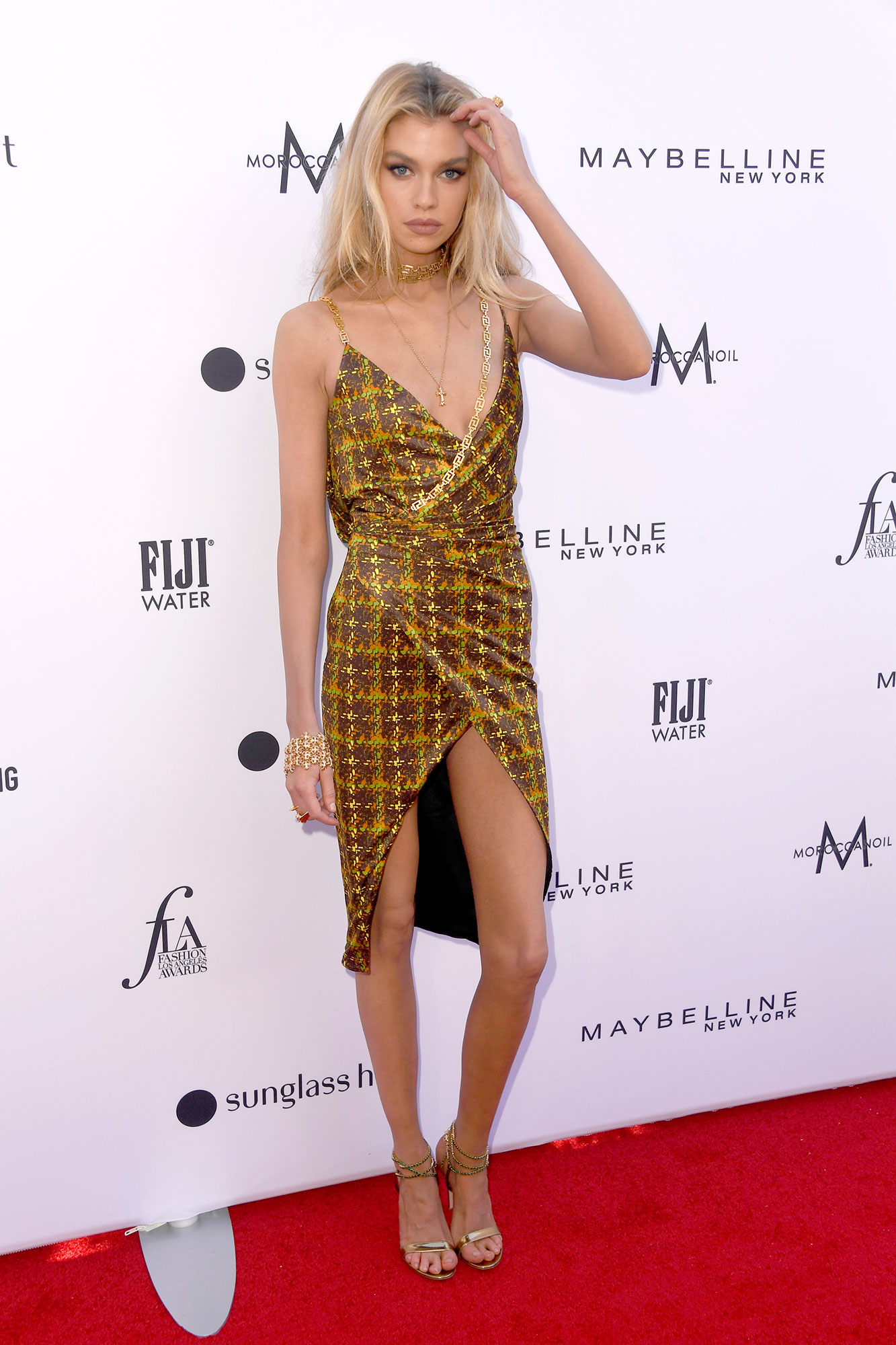 Stars Brought Their Style A-Game to the Daily Front Row Fashion Awards - Showing off her long limbs, the Max Factor model looked sophisticated and sexy in a slinky tweed minidress.