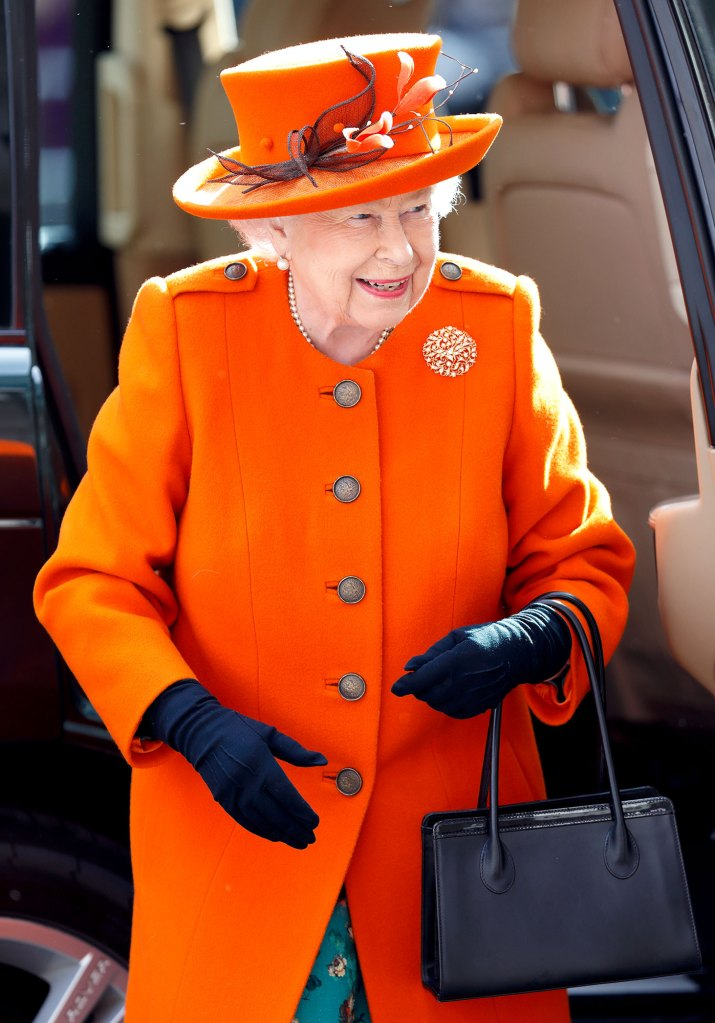 What Does Queen Elizabeth II Carry in Her Purse