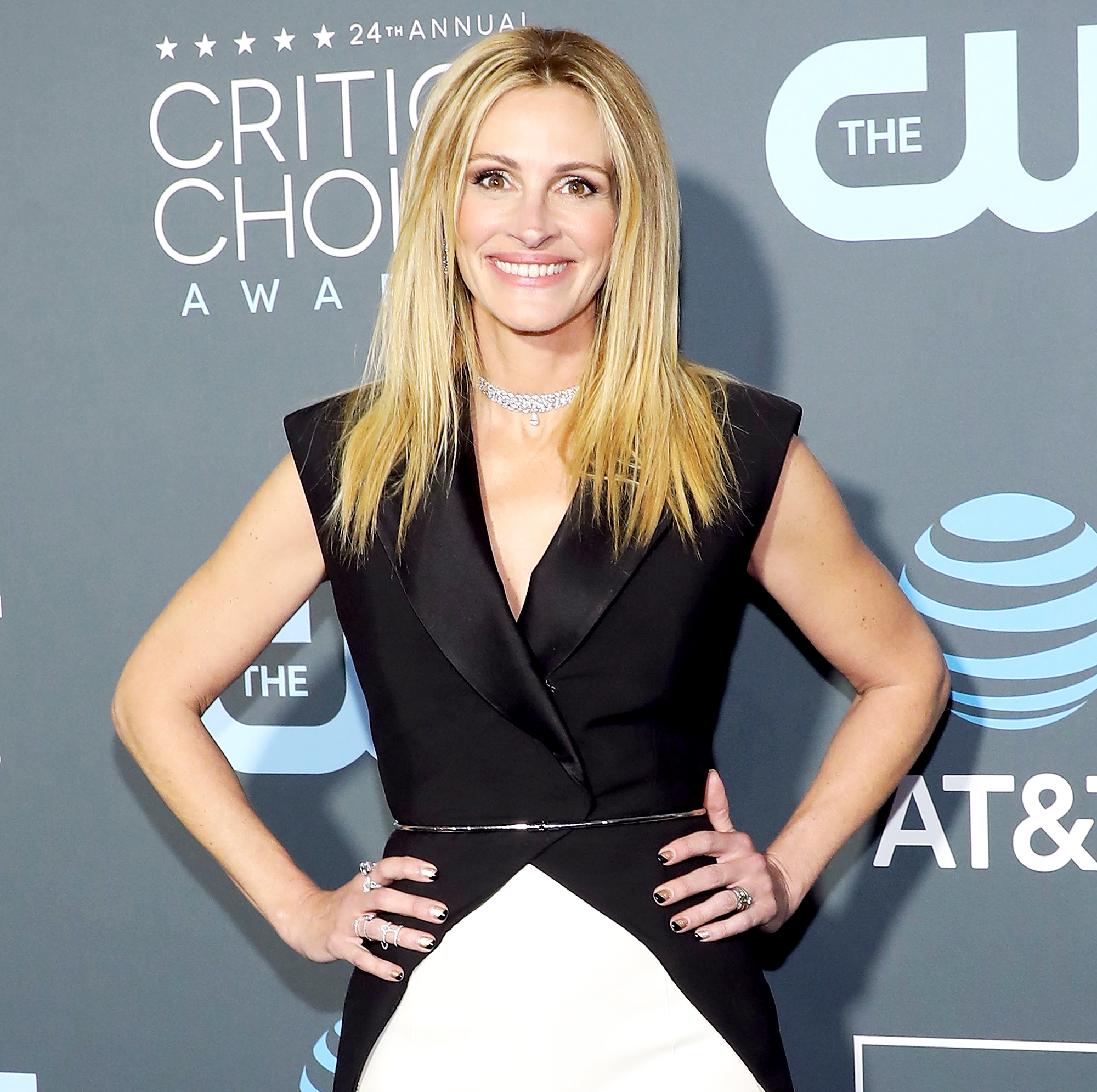 julia-roberts-college-admission-scam - Julia Roberts attends The 24th Annual Critics' Choice Awards at Barker Hangar on January 13, 2019 in Santa Monica, California.