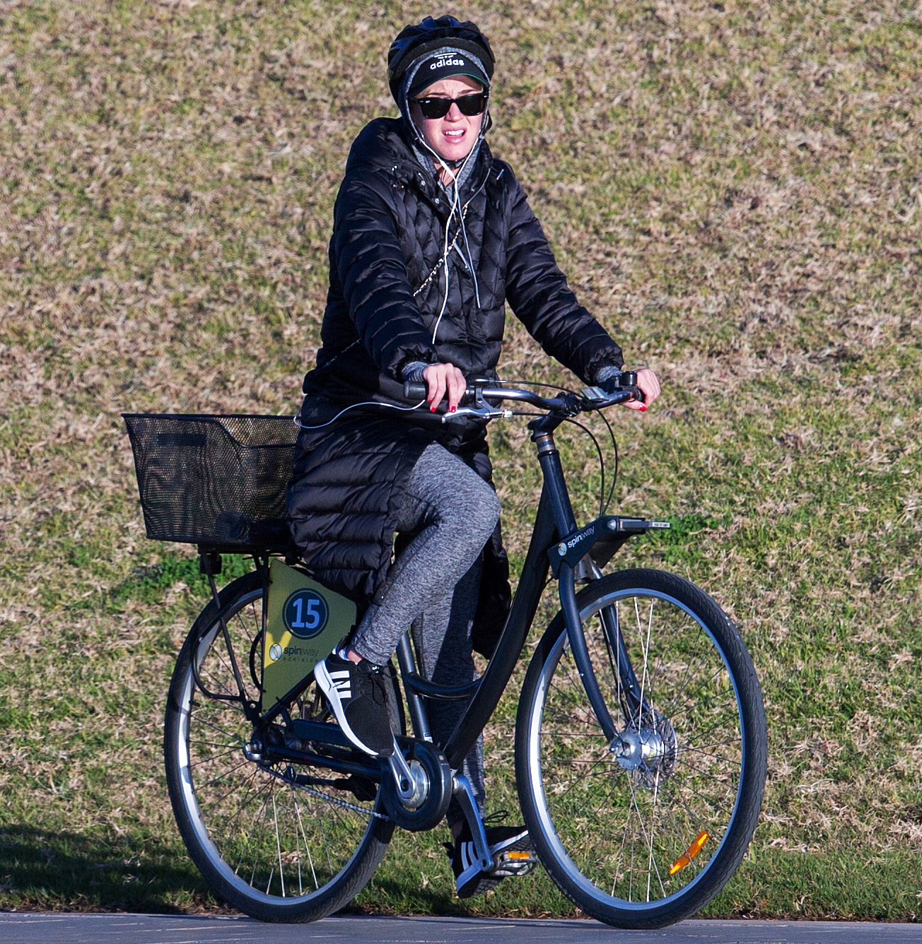 katy-perry-biking - On July 30, 2018, the American Idol judge bundled up for a winter bike ride with girlfriends in Adelaide, Australia. The singer was in town for her Witness tour.