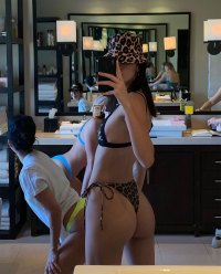 kendall jenner So Many Celebs Are Showing off in the Chicest Bikinis!