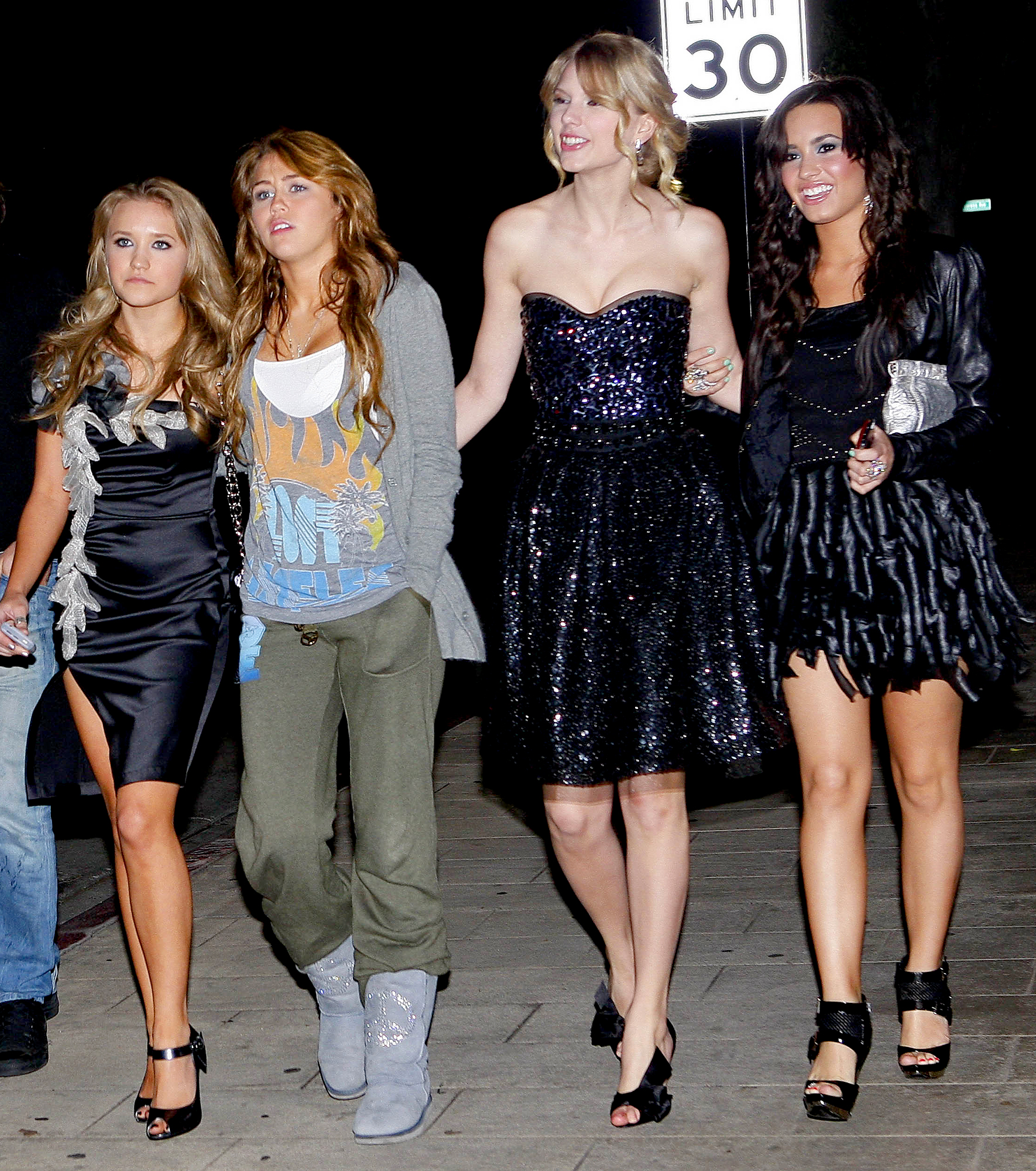 miley-cyrus-emily-osment-taylor-swift-demi-lovato