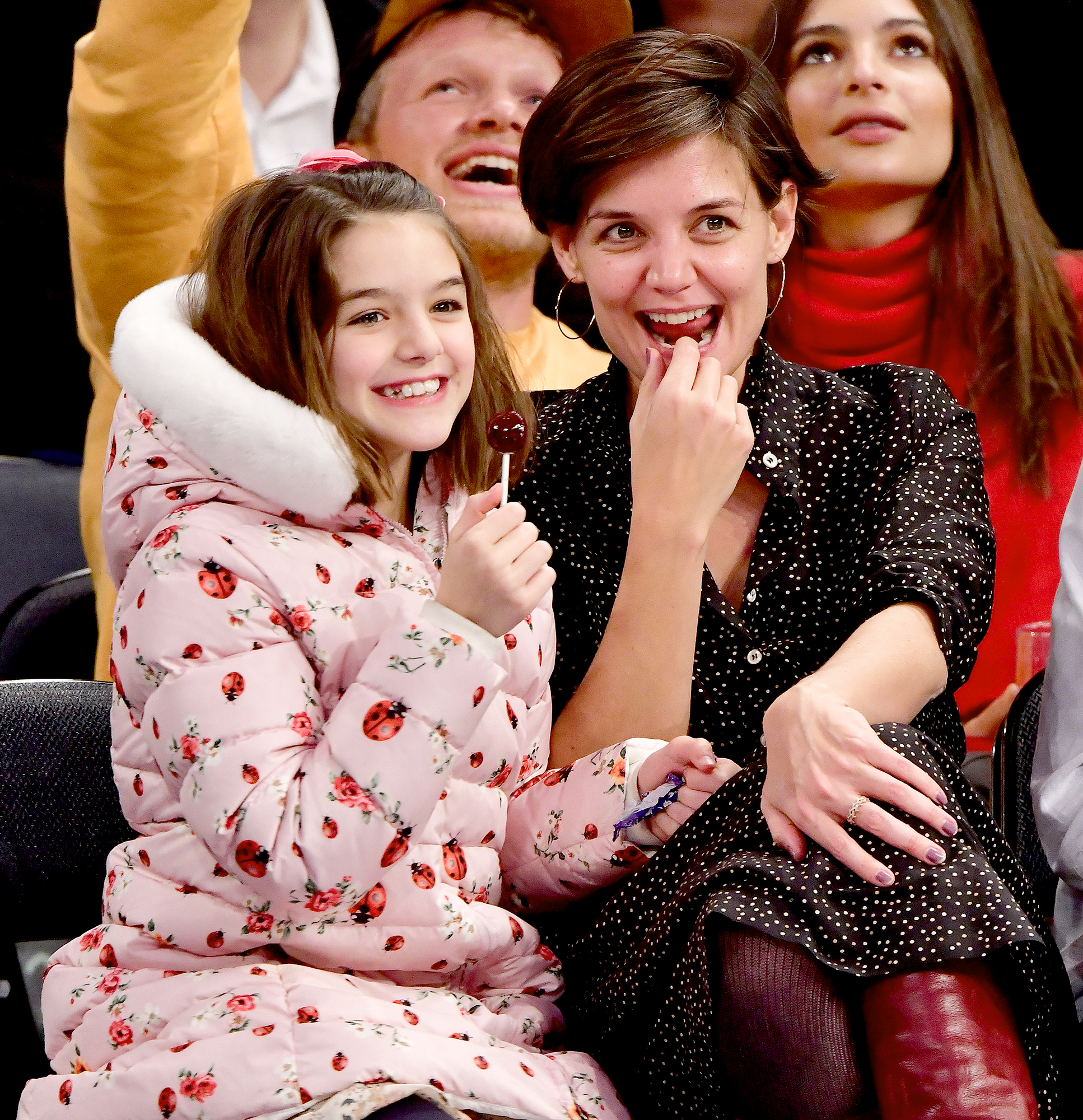 suri-cruise-katie-holmes-lollipop - The mother-daughter pair attended the Oklahoma City Thunder vs New York Knicks game at Madison Square Garden in December 2017 in New York City.