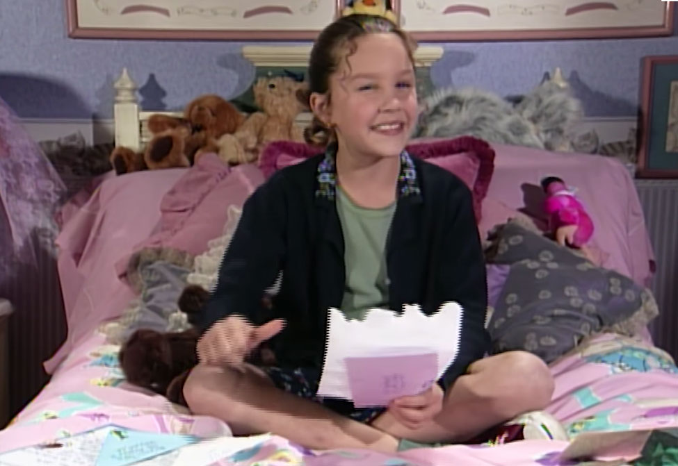 """Amanda Bynes in The First """"Ask Ashley"""" Ever All That - Amanda Bynes appears on 'All That."""