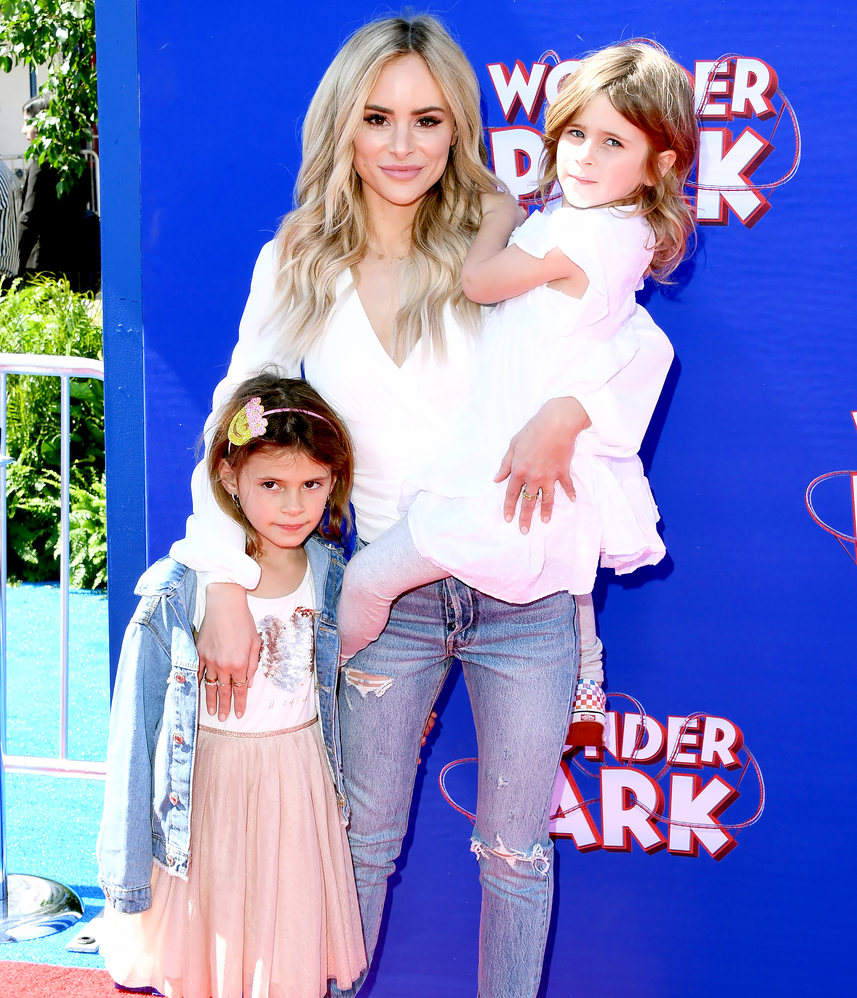 Amanda-Stanton-Celebrates-29th-Birthday-With-Daughters-After-Bobby-Jacobs-Split