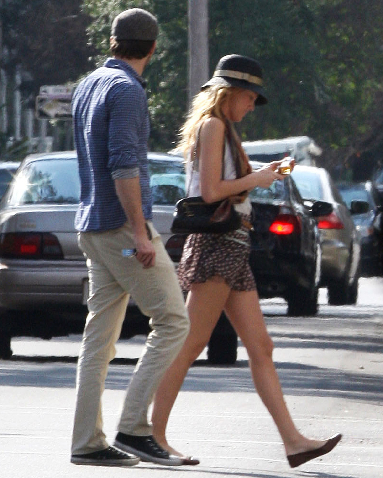 "Blake-Lively-Ryan-Reynolds-January-22,-2012 - Reynolds and his girlfriend Lively were seen going for a stroll in New Orleans, La., but tried to keep hidden from cameras. ""I've been in relationships pretty much since high school,"" Reynolds told Details magazine in May 2011."
