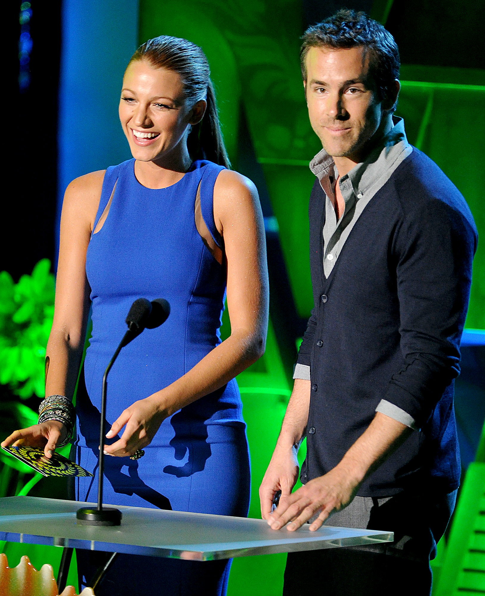 Blake-Lively-Ryan-Reynolds-June-5,-2011 - The stars spoke onstage at the 2011 MTV Movie Awards at the Gibson Amphitheater in Universal City, California. The actress was dating Leonardo DiCaprio at the time.