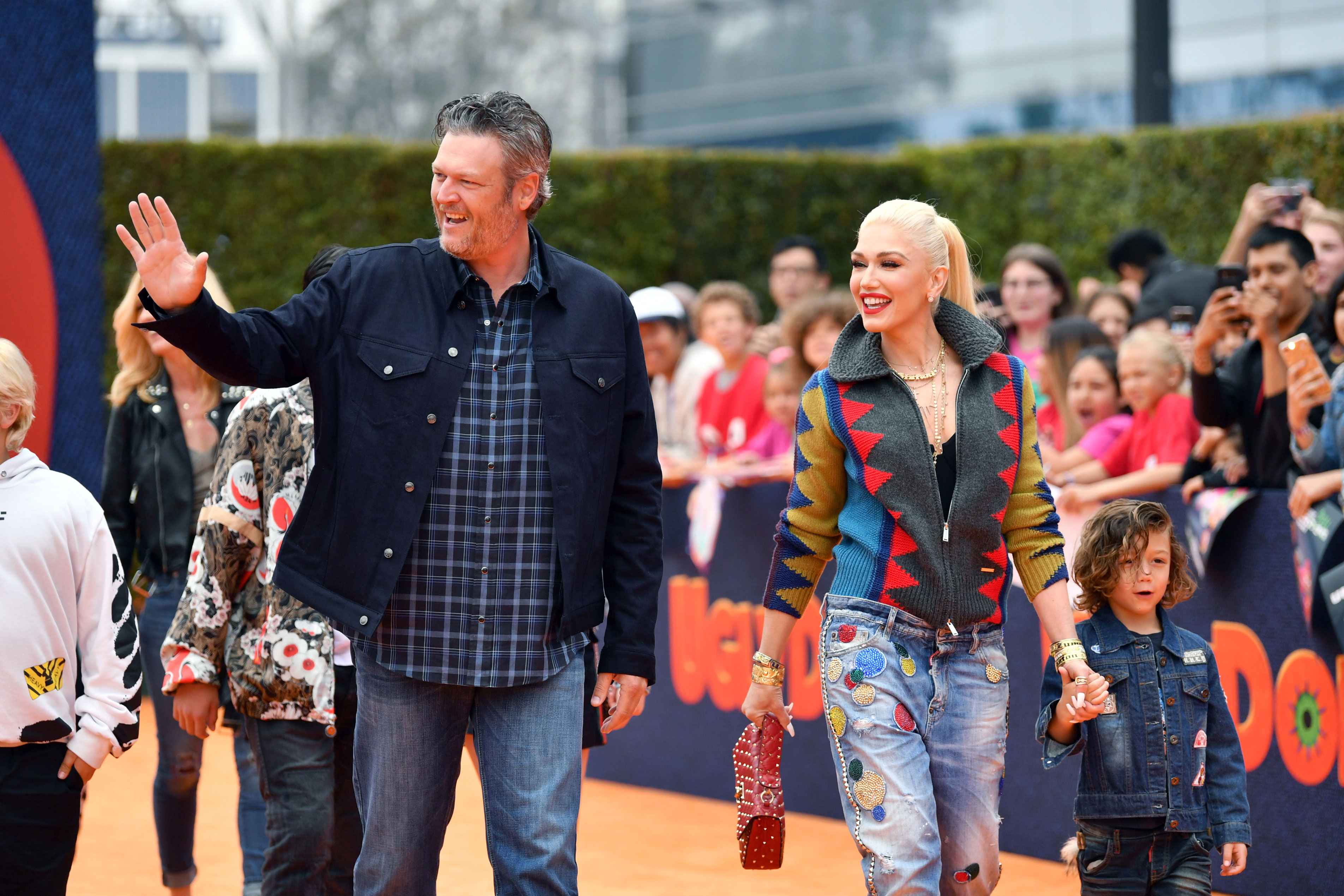 Gwen Stefani takes two of her children to church without ... |Gwen Stefani Children