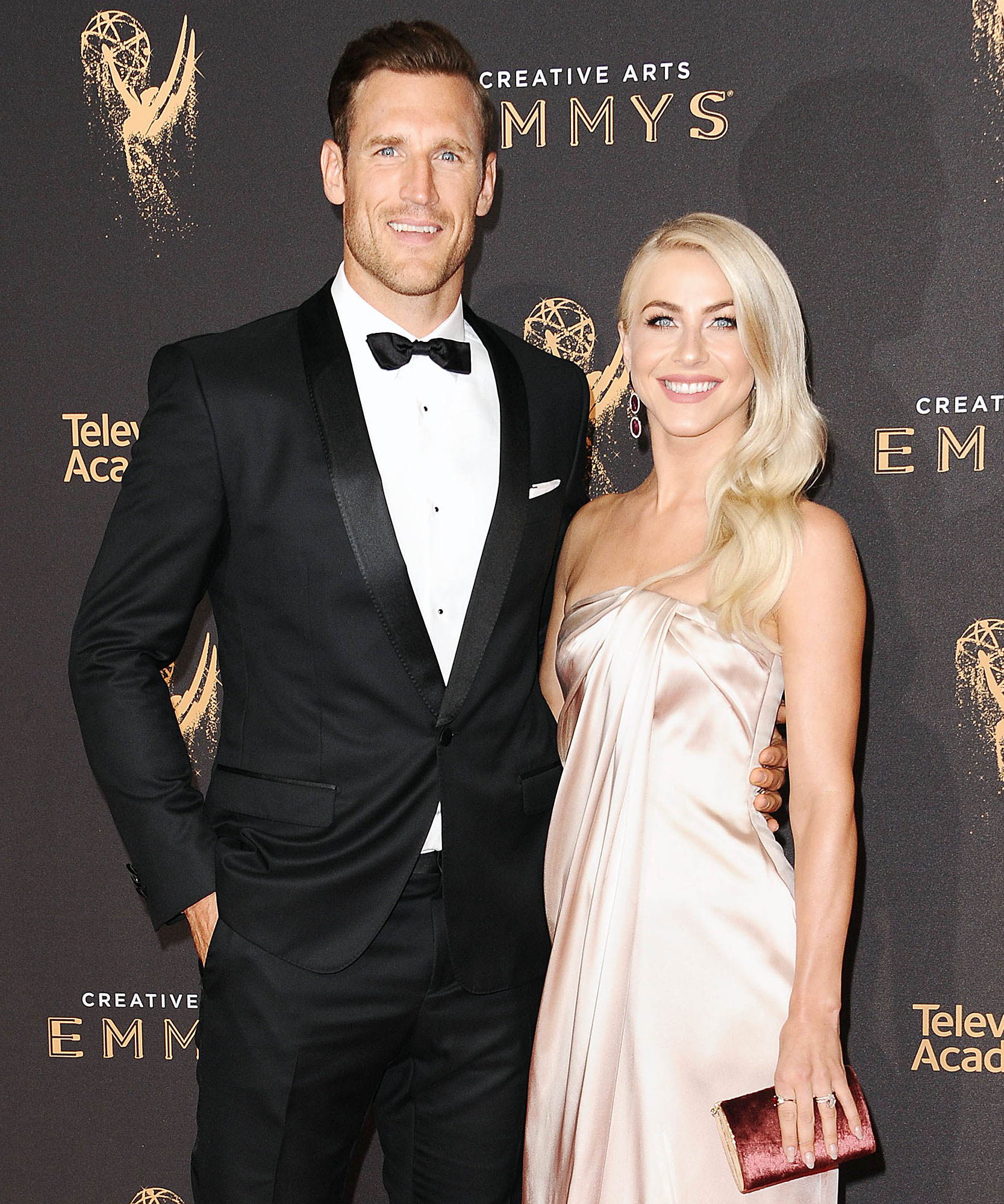 Brooks Laich Julianne Hough Support System Marriage