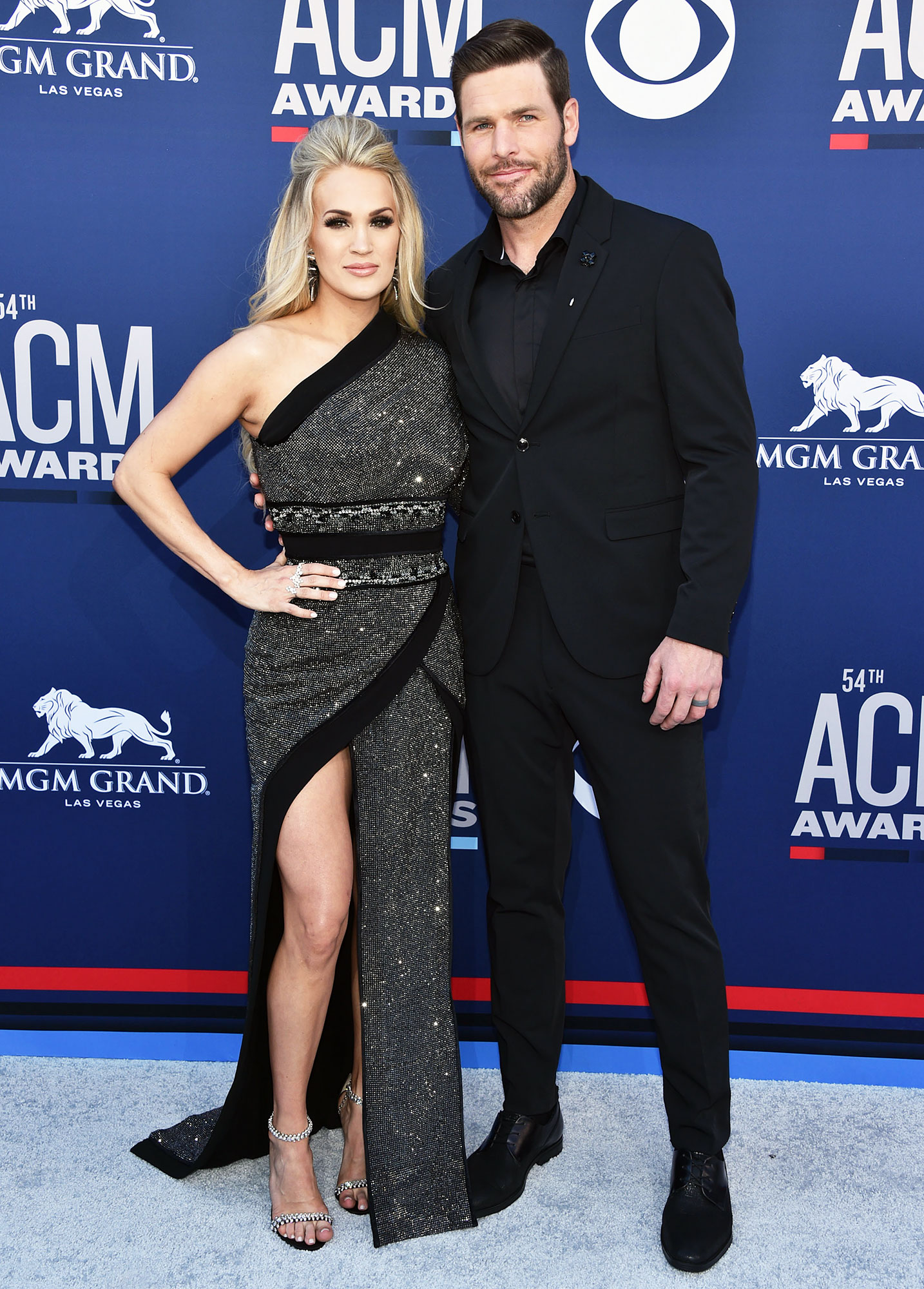 Carrie Underwood Post Baby Body Performs ACM Awards 2019 Mike Fisher