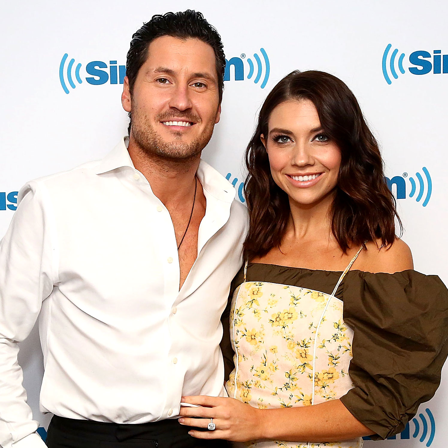 Celebs Party Val Chmerkovskiy Jenna Johnson Wedding - NEW YORK, NY – NOVEMBER 20: (EXCLUSIVE COVERAGE) (L-R) Dancer Val Chmerkovskiy and Jenna Johnson visit the SiriusXM studios on November 20, 2018 in New York City. (Photo by Astrid Stawiarz/Getty Images)