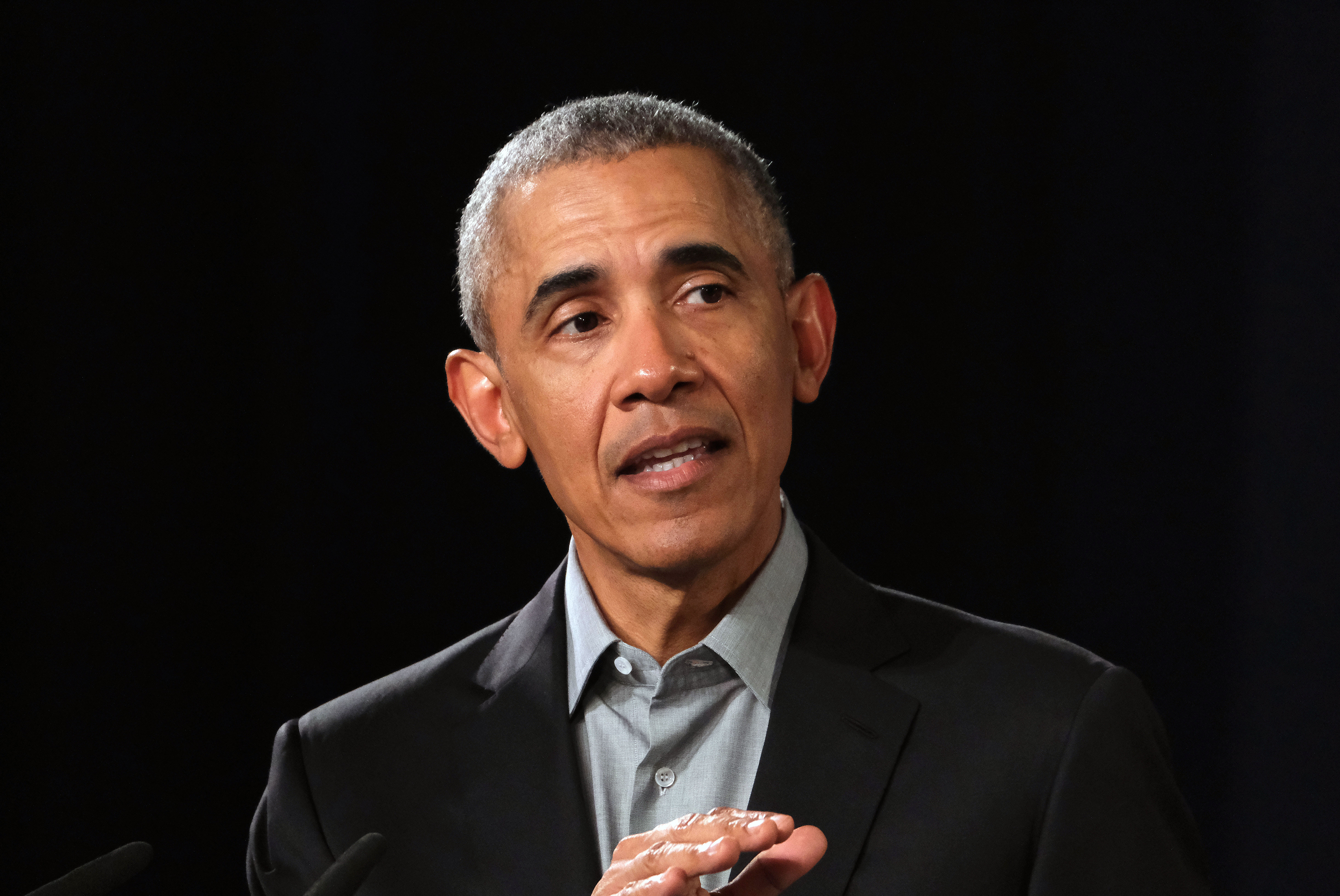"""Barack Obama React Sri Lanka Bombings - The former President of the United States shared his heartfelt reaction in a tweet on Sunday morning. """"The attacks on tourists and Easter worshippers in Sri Lanka are an attack on humanity,"""" he wrote."""