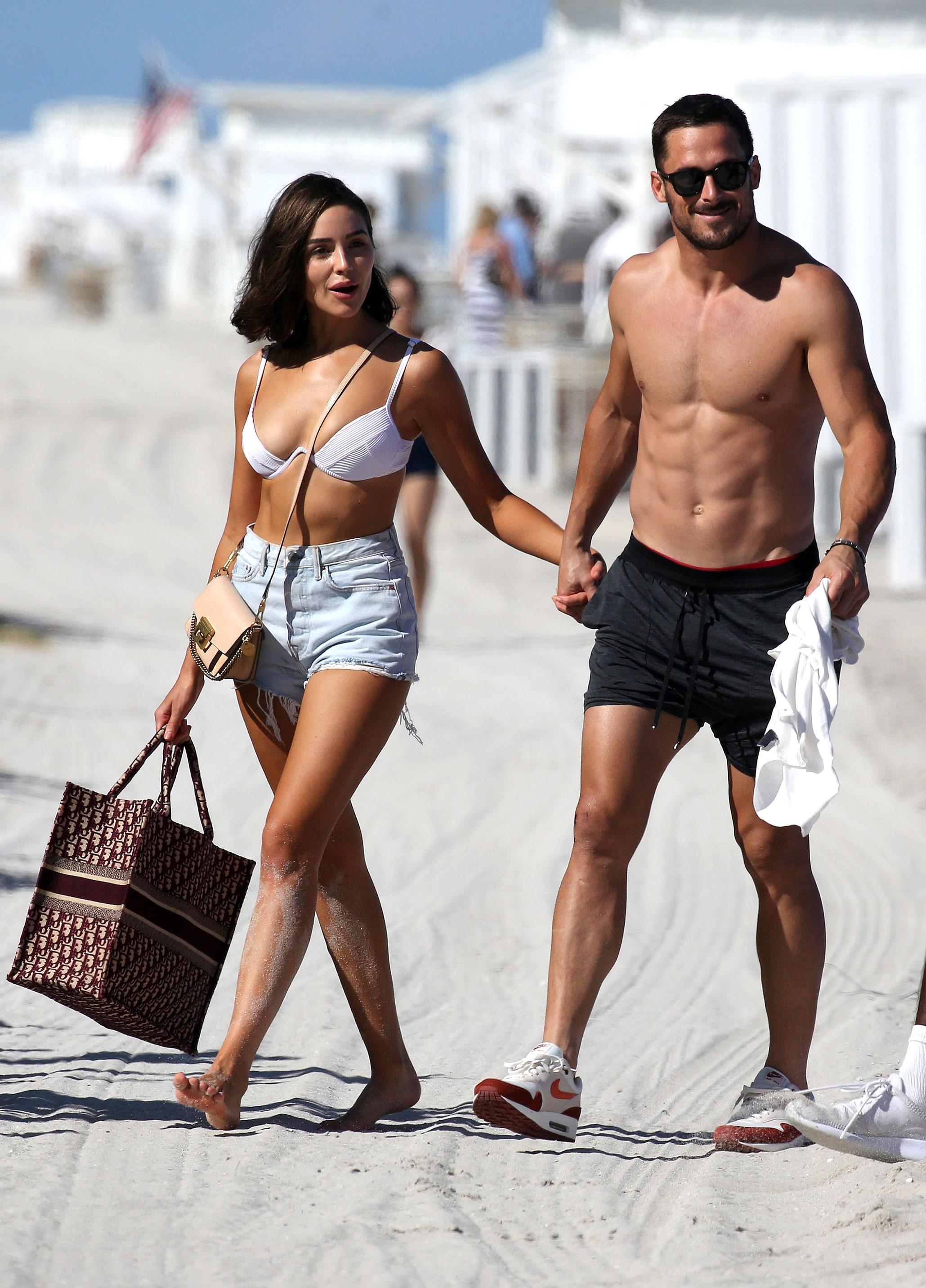 Danny Amendola Olivia Culpo Zedd Get Cozy Coachella - Olivia Culpo and Danny Amendola hold hands on the beach on September 25, 2018 in Miami, Florida.